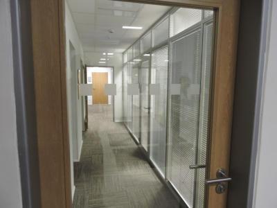 ČSOB banka - bezpečnostní značení dveří