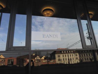 BANDI - polep výlohy