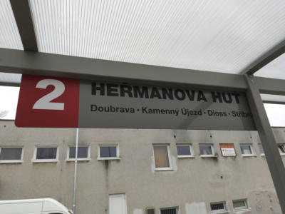 MěÚ Nýřany - cedule na autobusové zastávce