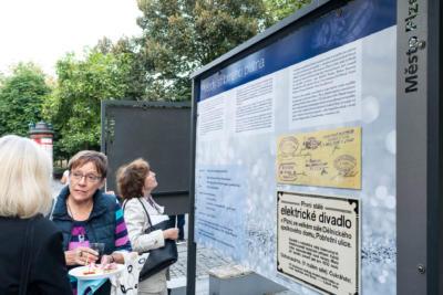 Kulturni plzen vystava hvezdy stribrneho platna 04